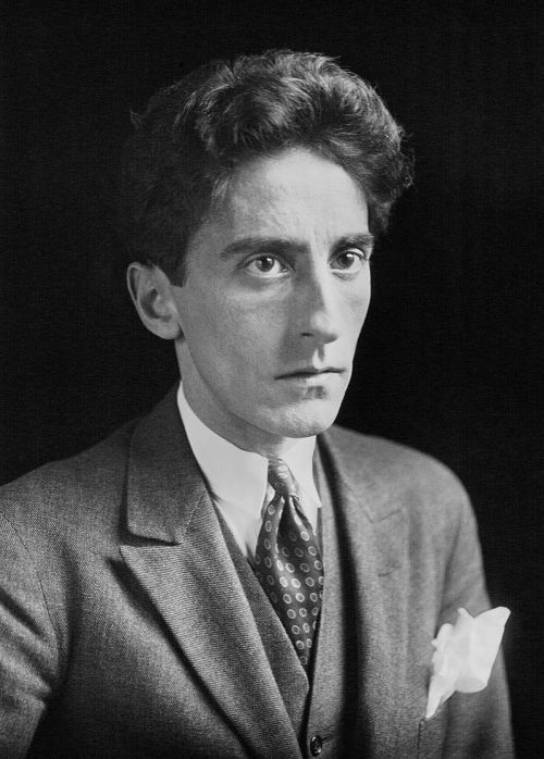 Jean_Cocteau_b_Meurisse_1923.jpg